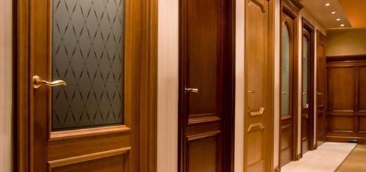Преимущество межкомнатных дверей из сосны: красиво, и безопасно.