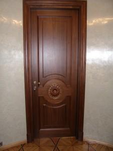 Типы конструкций и виды шпонированных дверей