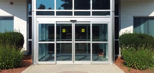 Достоинства и типы автоматических стеклянных раздвижных дверей