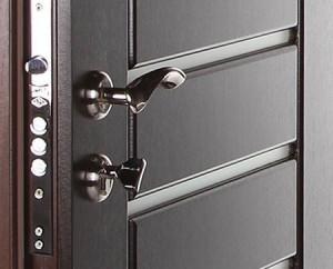 Устройство бронированных металлических дверей