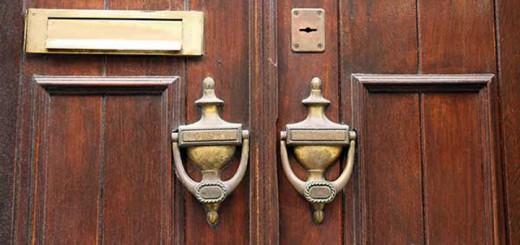 Обработка и материалы для входных дверей под старину
