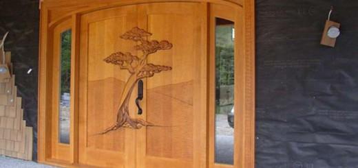Преимущества, стили дизайна, материалы изготовления и описание резных межкомнатных дверей