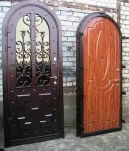 Свойства и описание дорогих металлических дверей