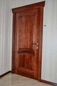 Межкомнатные деревянные филенчатые двери