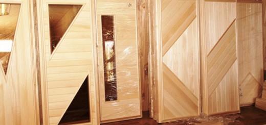 Особенности дверей для бани из липы