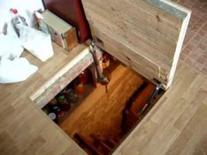 Как сделать дверь в погреб