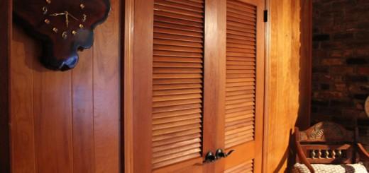 Типы и преимущества жалюзийных дверок