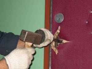 Как вскрыть дверь своими руками