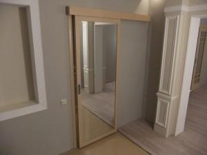Зеркальные межкомнатные двери: разновидности