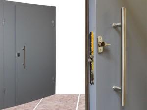 Железная дверь в тамбур: особенности