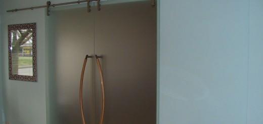 Двери межкомнатные стеклянные двустворчатые
