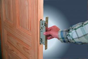 Ремонт старых деревянных дверей: этапы