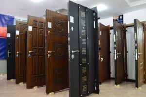Преимущества утеплённых металлических входных дверей
