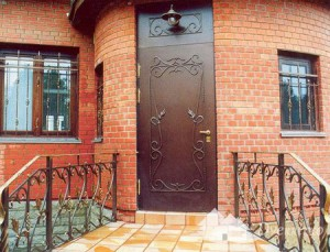 Входные металлические утепленные двери