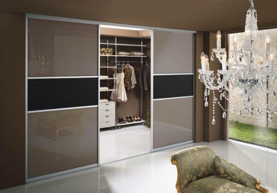 Дизайн раздвижных дверей гардеробной