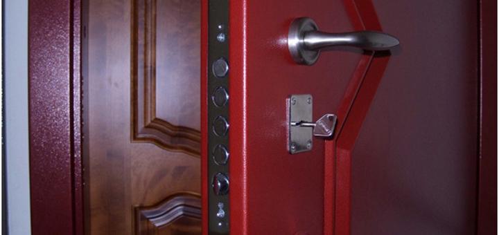 нужно ли устанавливать вторую входную дверь
