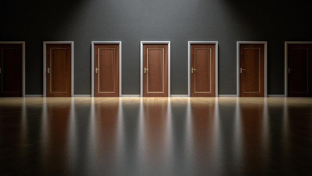 Какие моменты важны при выборе металлической двери?