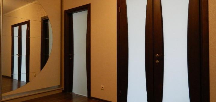 Начнем со сборки дверной коробки